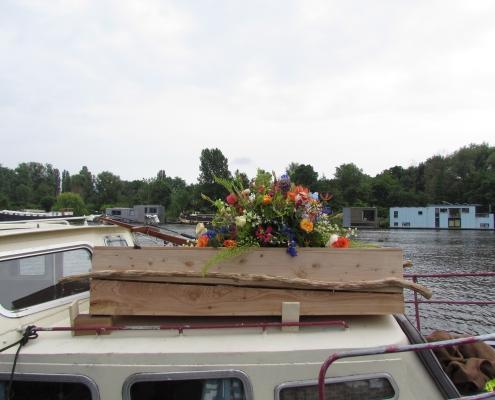 Uitvaart over het water Amsterdam